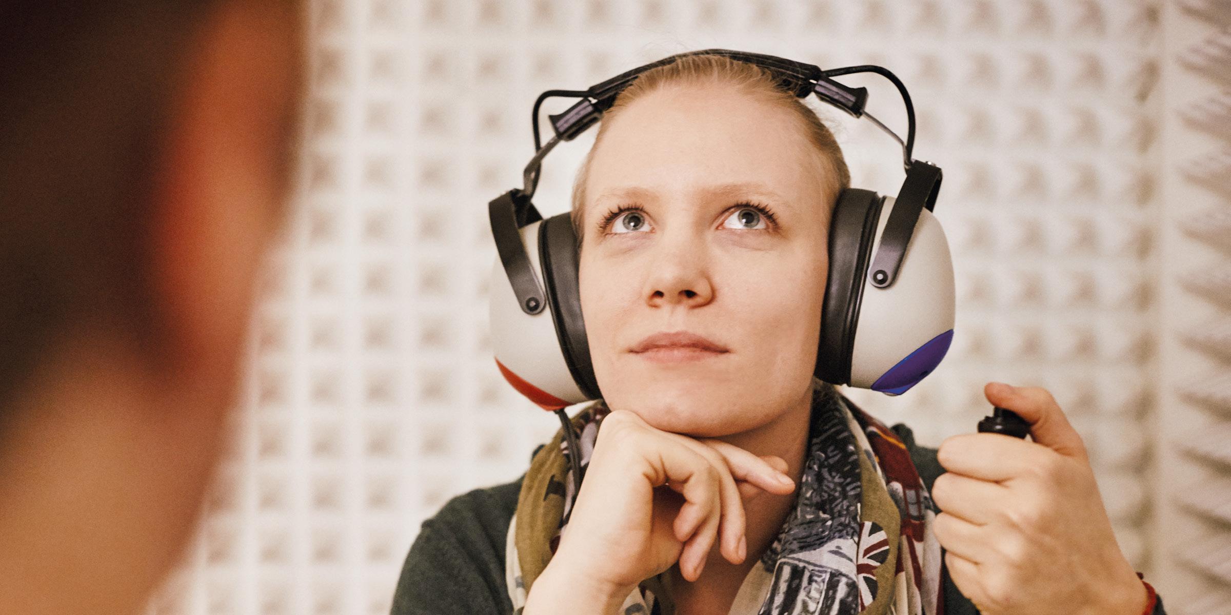 Pfeifen, Rauschen, Piepsen im Ohr? Nach einer genauen Voruntersuchung weiß Frau Dr. Brigitte Krug welche Therapie bei Hörsturz und Tinnitus die richtige ist